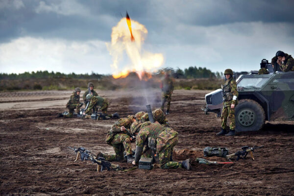 Dutch soldiers take part in artillery training near the town of Oldebroek in the central Netherlands, May 8, 2014